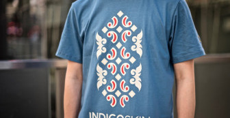 "Indigoskin Tee ""Ainu Logo"""